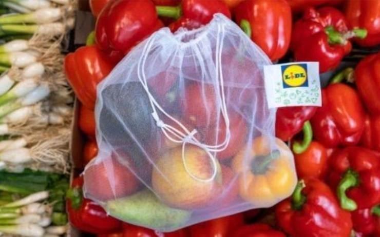 Fin des sacs plastiques au rayon fruits et légumes en Grande Bretagne chez Lidl